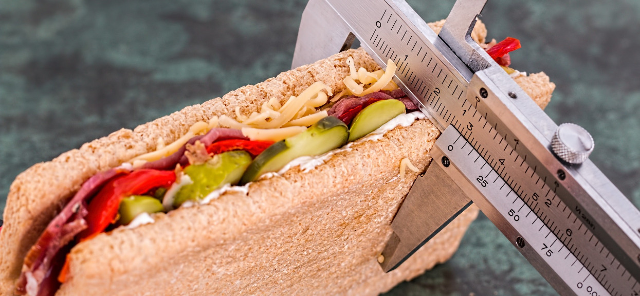 Jak szybko schudnąć w tydzień? Najlepsze ćwiczenia i dieta