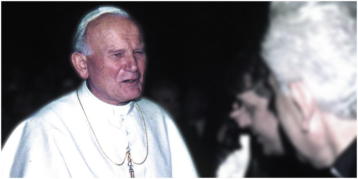 Jan Paweł II nie będzie już świętym? Powstaje międzynarodowa akcja