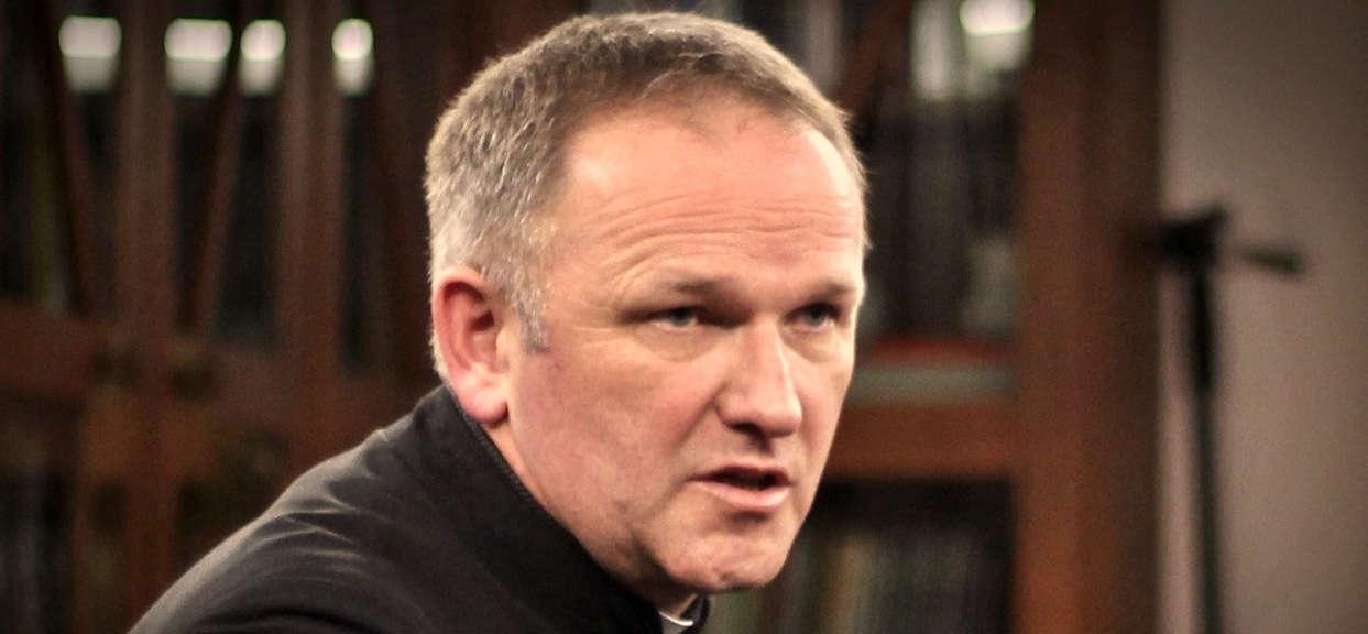 """Kontrowersyjny duchowny powrócił. """"Można być katolikiem bez księży"""""""