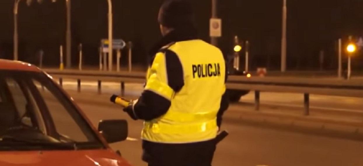 Do więzienia! Pijany jak bela ksiądz uciekał policjantom zagrażając mieszkańcom