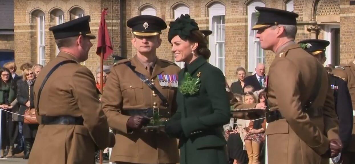 Księżna Kate jest przeraźliwie chuda! Wygląda jak cieniutki patyczek