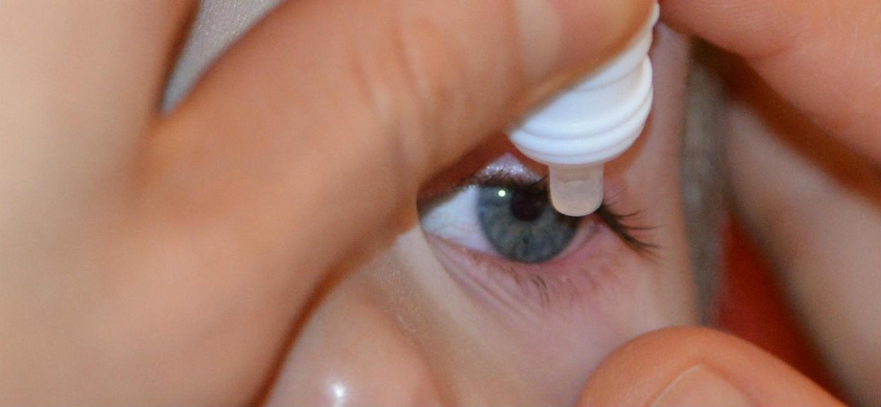 Popularne krople do oczu wycofane z aptek. Mogą być niebezpieczne dla Twojego zdrowia