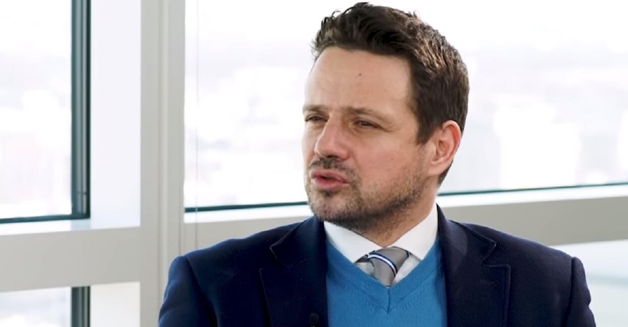 Manipulacja PiS odkryta? Trzaskowski wyjaśnia o co chodzi z deklaracją LGBT