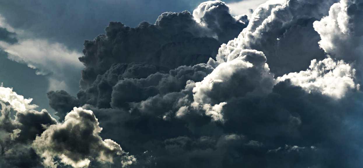 Kolejne pilne ostrzeżenie pogodowe. Nad Polskę nadciąga potężna wichura