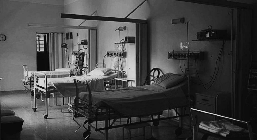 Miliarder dostał ataku serca podczas operacji powiększenia męskości. Nie żyje