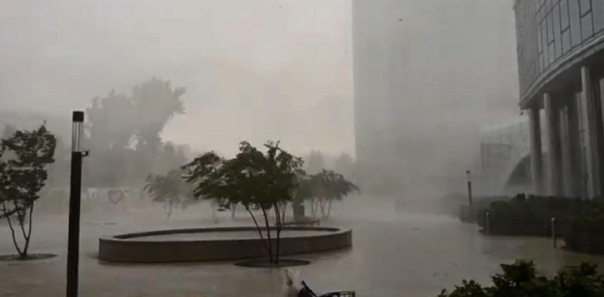 Dramatyczna burza w Warszawie. Wiemy, które województwa będą kolejne