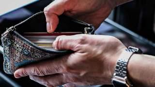 Ten raport pokazuje totalny absurd. Biedni Polacy płacą najwięcej