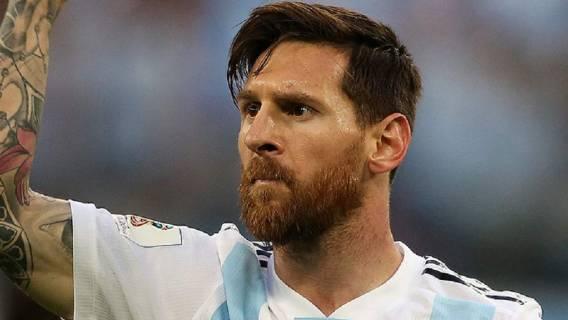 Ile zarabia Messi tygodniowo