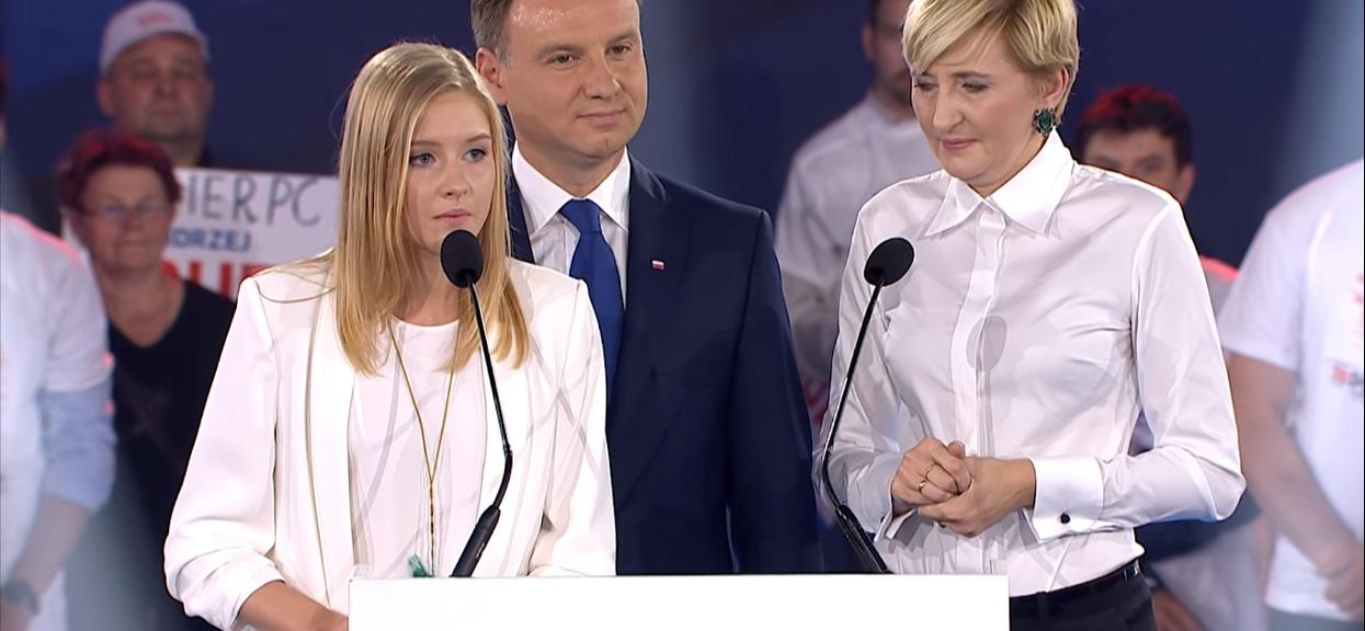 """Córka Andrzeja Dudy. Kim jest """"pierwsza córka RP""""?"""