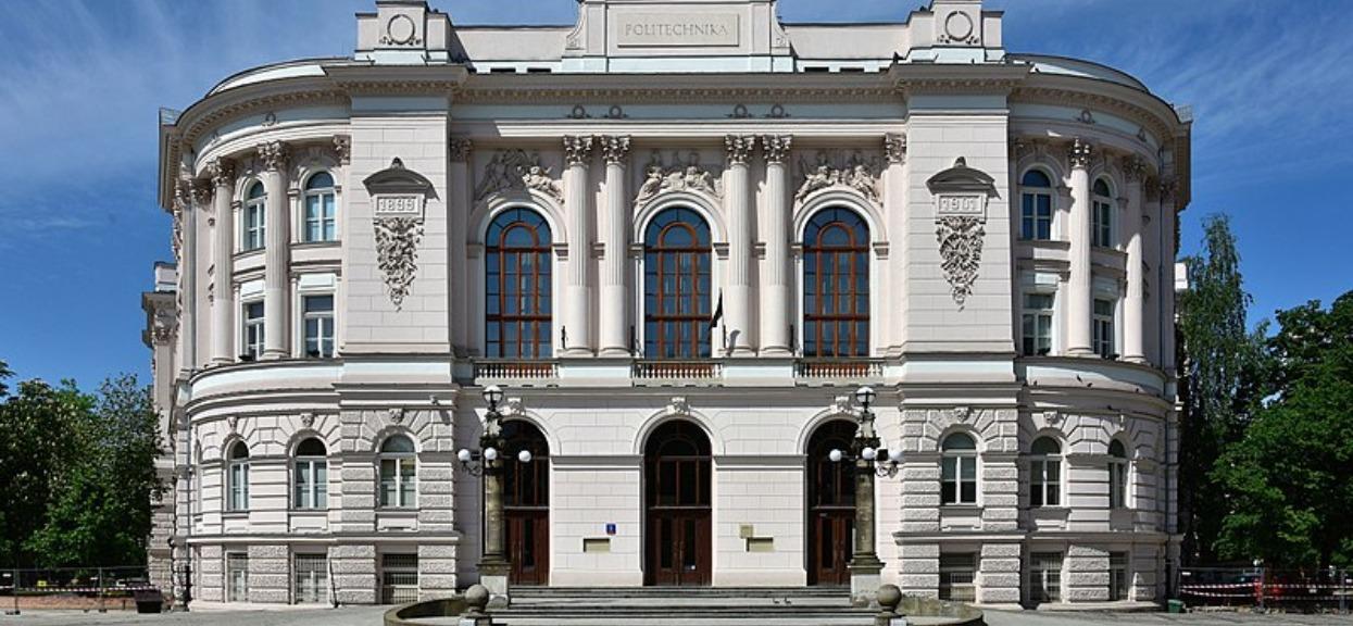 Jakie progi punktowe na studia obowiązują na Politechnice Warszawskiej? Wszystko zależy od kierunku