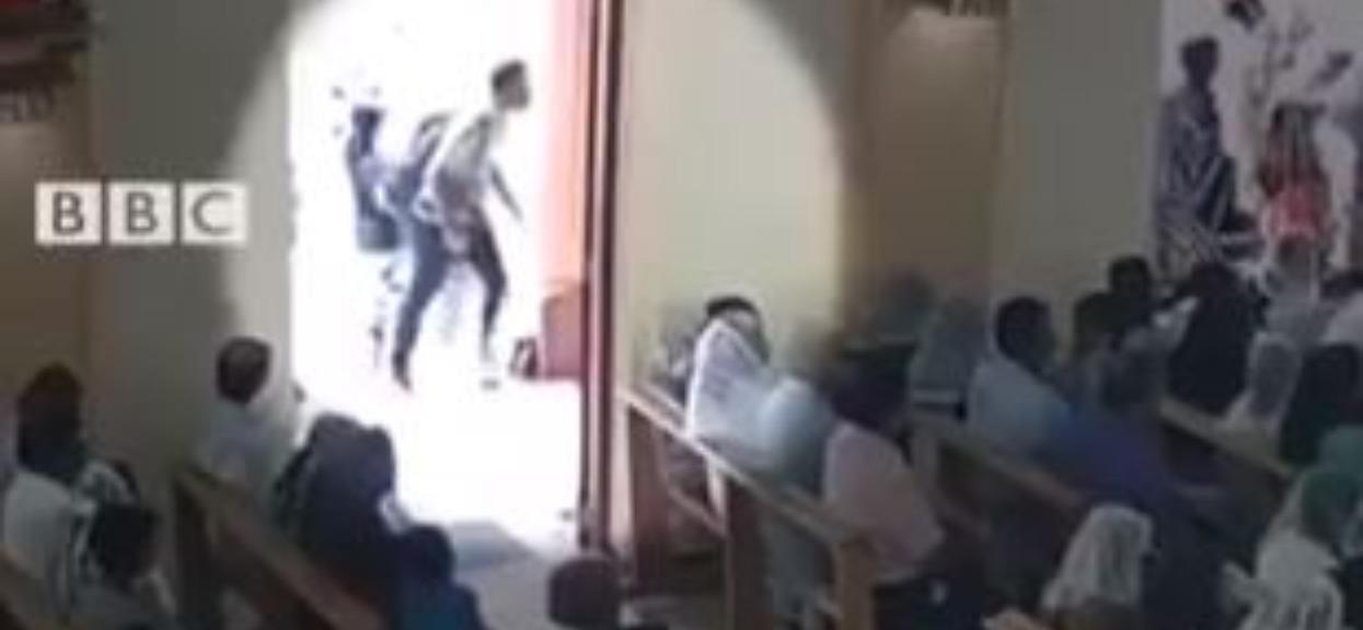 Wstrząsające nagranie ze Sri Lanki. Widać, co zamachowiec robił chwilę przed tym dramatem