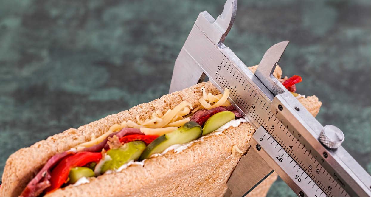 To dlatego twoja dieta nie działa. 6 rzeczy, których trzeba unikać jak ognia