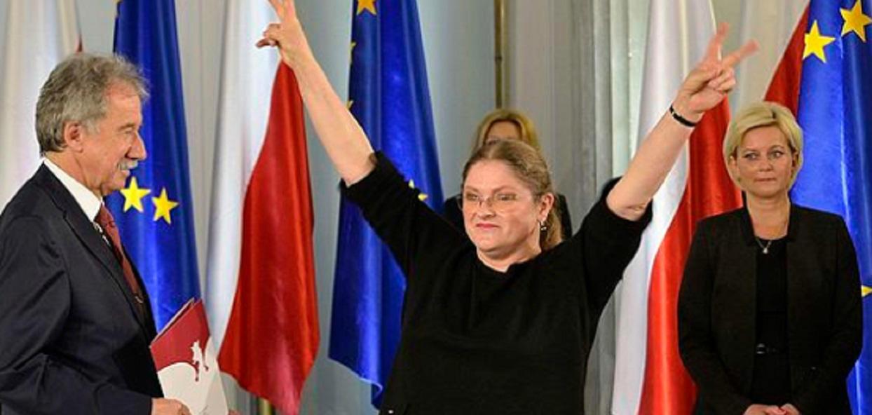 Pawłowicz pokazała zdjęcie z obiadu z Kaczyńskim i kotem. Popłaczecie się ze śmiechu