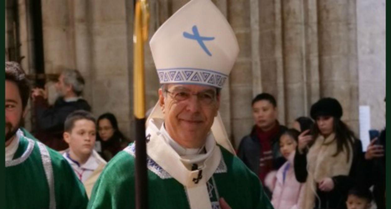"""Ksiądz z katedry Notre Dame wypowiedział słowa, które przejdą do historii. """"Wszystko uratowane"""""""