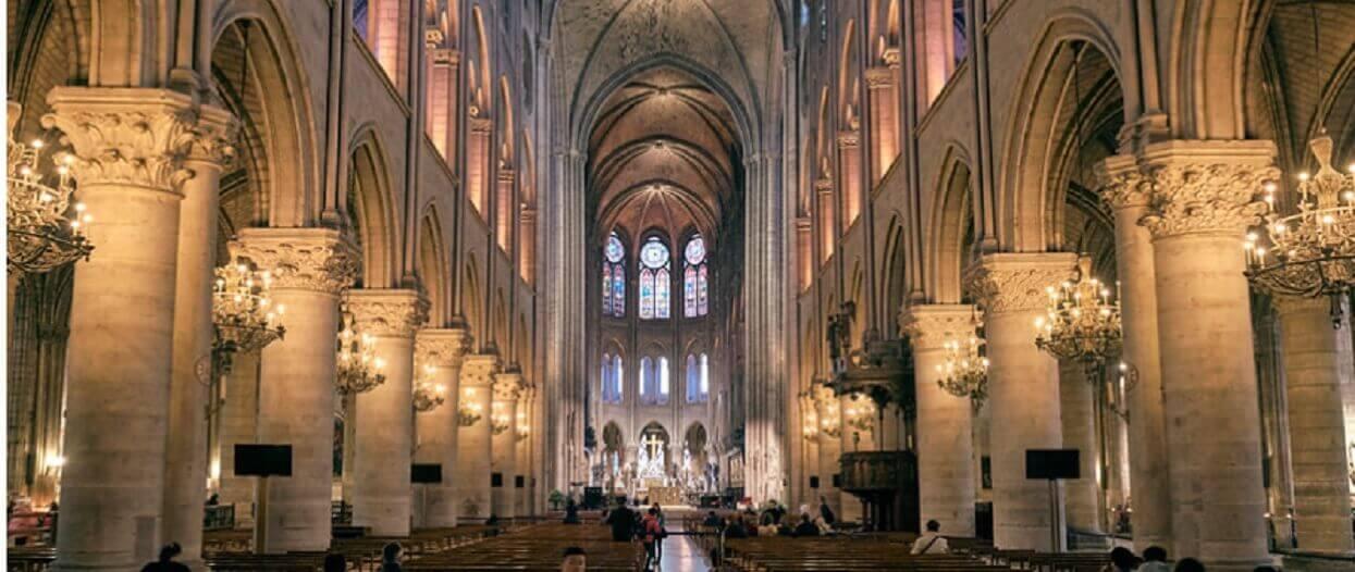 Genialny profesor nie żyje. Przed śmiercią zrobił coś, co pomoże uratować Notre Dame