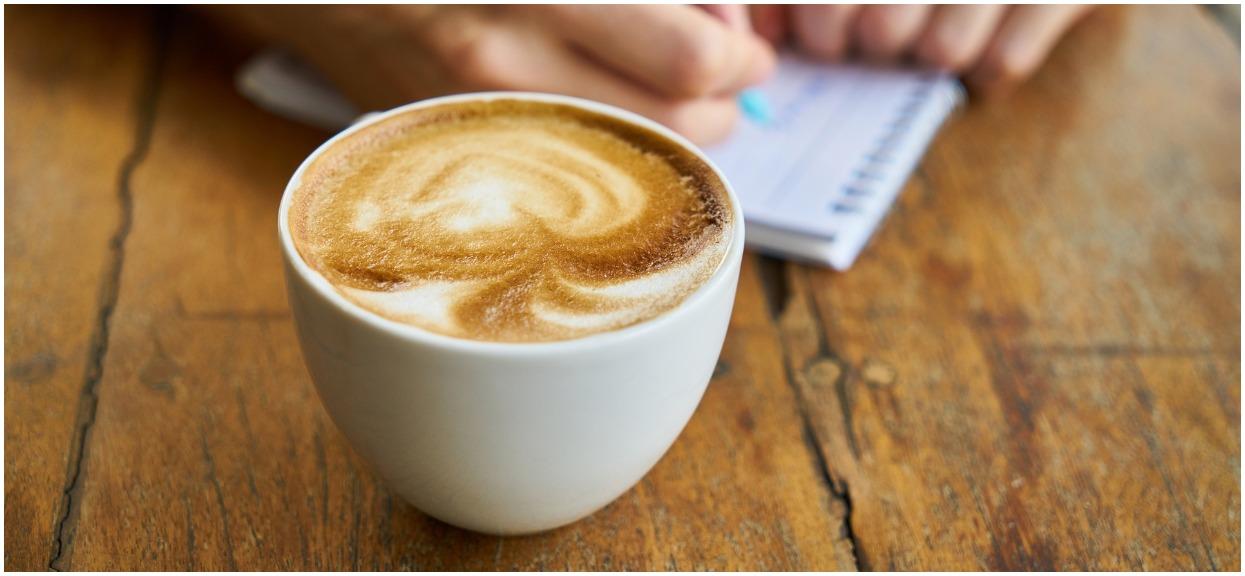 Dodaj szczyptę do kawy. Zaczniesz chudnąć w oczach, to zabija też nowotwór