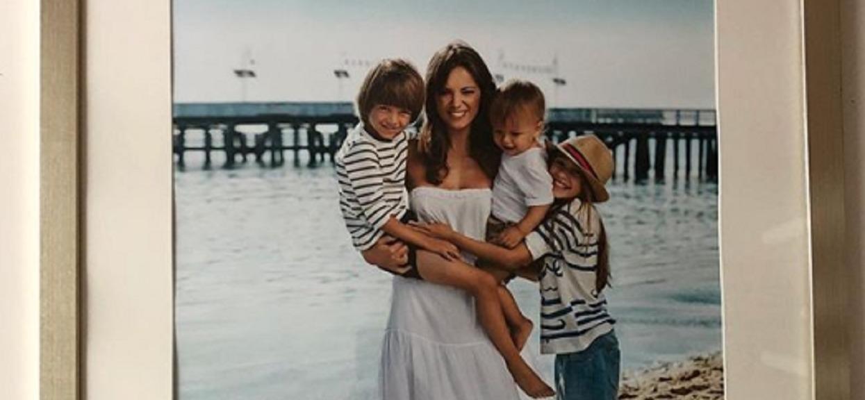 Synowie Anny Przybylskiej rosną jak na drożdżach! Młodszy to kropka w kropkę mama (Zdjęcia)