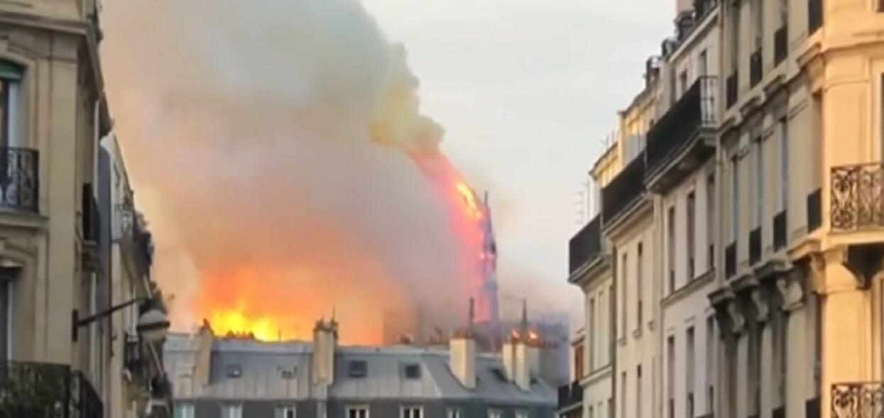 Zdumiewające odkrycie na dachu Notre Dame po pożarze. To prawdziwy cud!