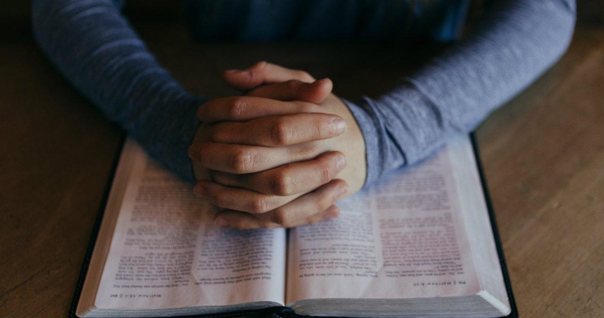 Katecheta oferował szóstki z religii za pieniądze. Żądał wpłat na Caritas