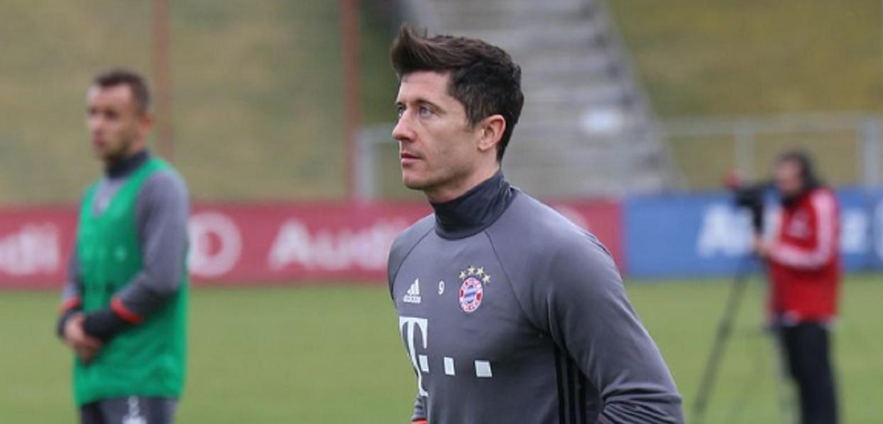 Bayern znów wygrywa, Robert Lewandowski nie miał szczęścia pod bramką
