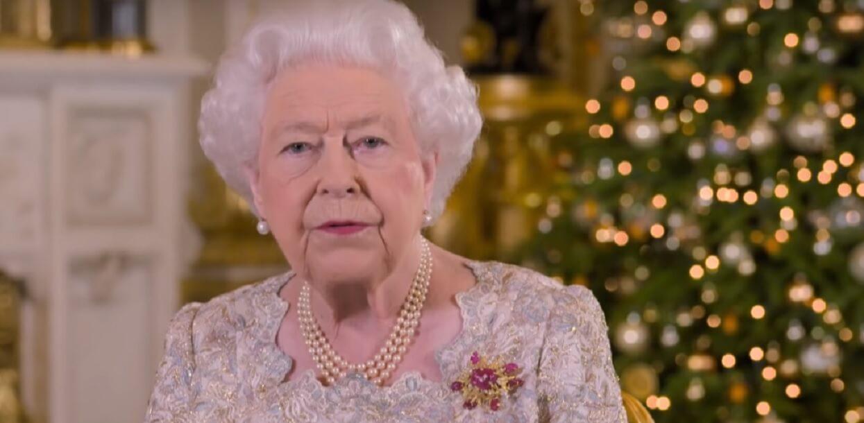 Królowa Elżbieta śmiała się do rozpuku. Zrobiła swojemu mężowi świński żart