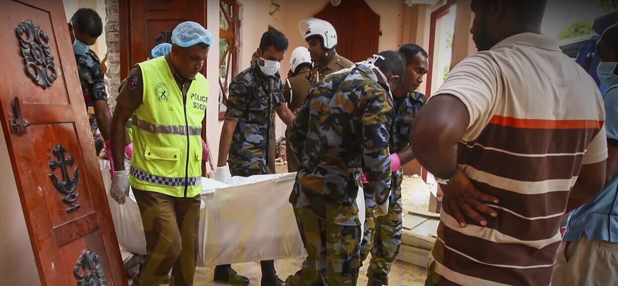 """""""Na ścianach resztki ciał"""". Świadkowie dramatycznie o koszmarze na Sri Lance"""