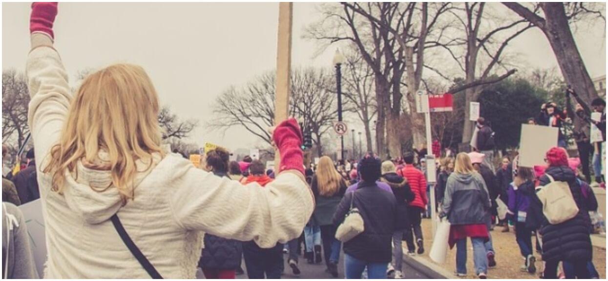 Wściekli widzowie linczują TVP. Bezczelne drwiny ze strajkujących nauczycieli na wizji, zdębiejecie