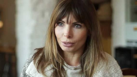 Agnieszka Dygant z aparatem na zęby