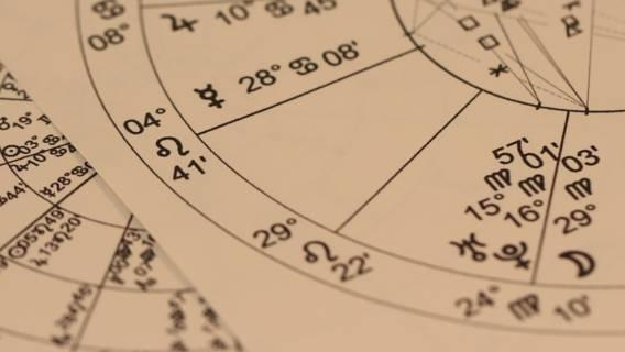Horoskop miesięczny na maj.