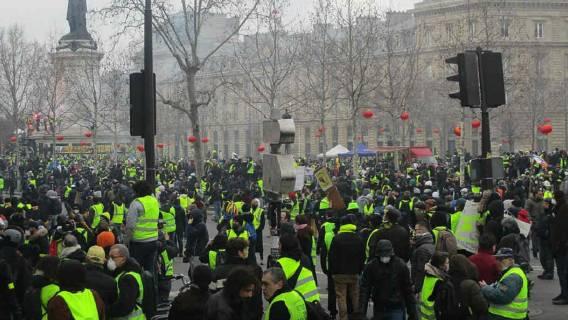 Tysiące demonstrantów na ulicach Francji