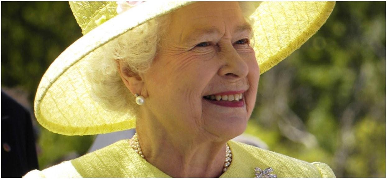 Elżbieta II oficjalnie matką dziecka Meghan Markle. Kuriozalna sytuacja