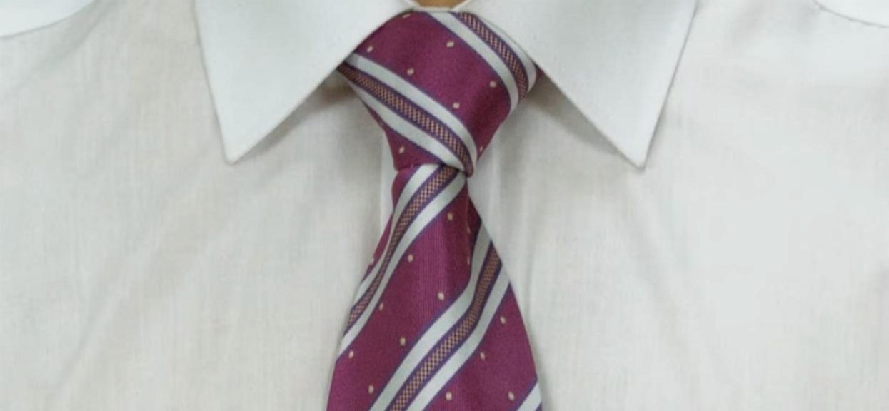 Jak zawiązać krawat - windsor i pół windsor? Nie do każdego krawatu pasuje