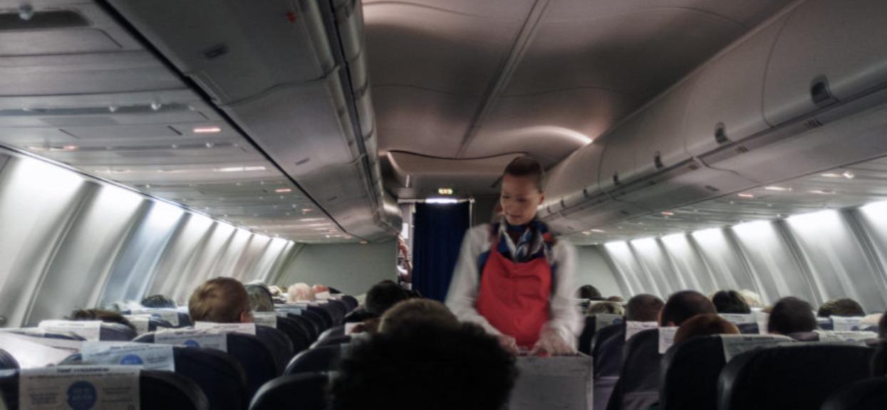 Przerażające sceny w samolocie. Obsługa zaczęła płakać