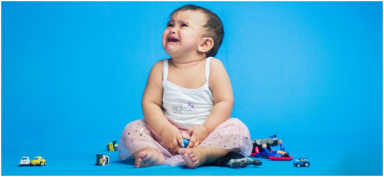Sposoby na czkawkę u noworodka, niemowlaka - domowe sposoby