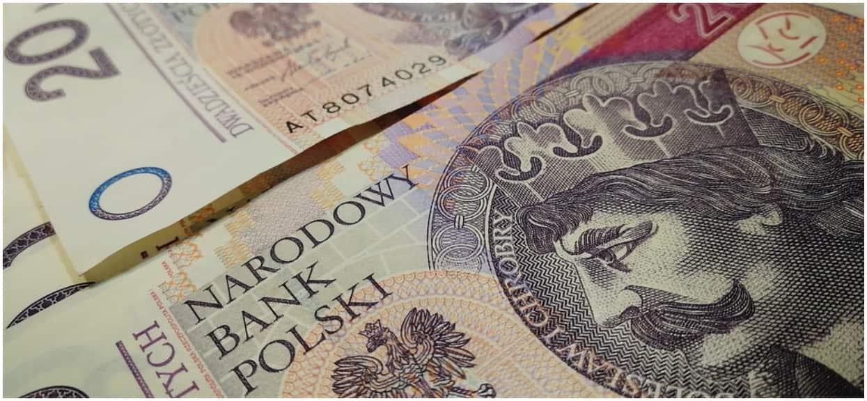 Polacy mogą dostać nawet 350 złotych więcej. Wystarczy spełnić kilka warunków