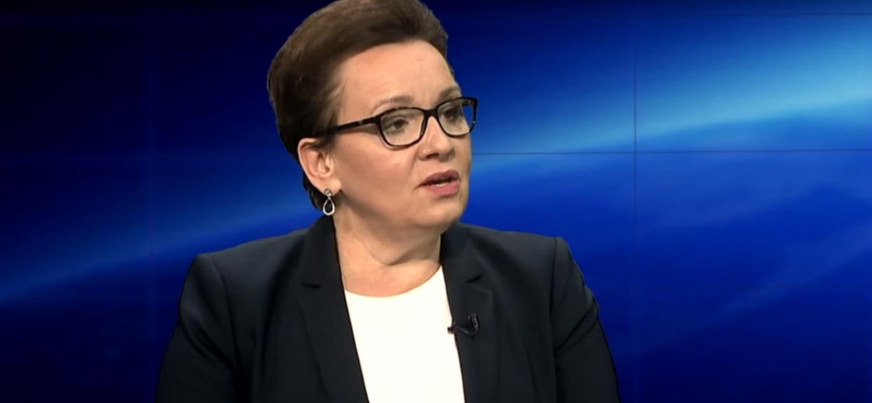 Anna Zalewska przyłapana na gorącym uczynku. Jej sztab wyborczy łamie prawo (zdjęcia)