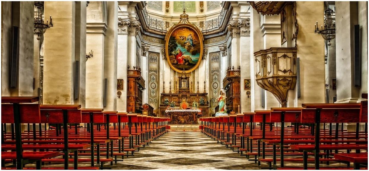 Polacy mają już dosyć, kolejni odchodzą z Kościoła. Kapłani kompletnie bezradni