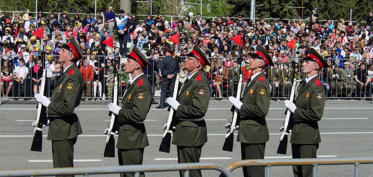 Kiedy jest rocznica zakończenia II wojny światowej? Trwa spór o datę