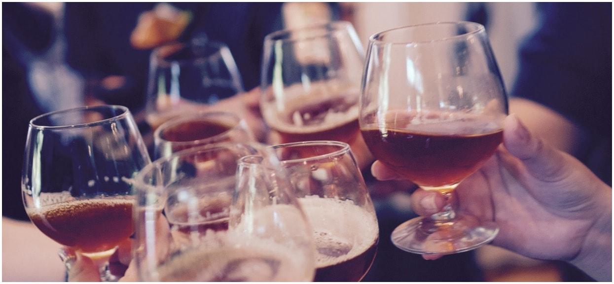 Jeśli odstawisz alkohol, od razu poczujesz różnicę. 5 zmian, które dobrze na Ciebie wpłyną