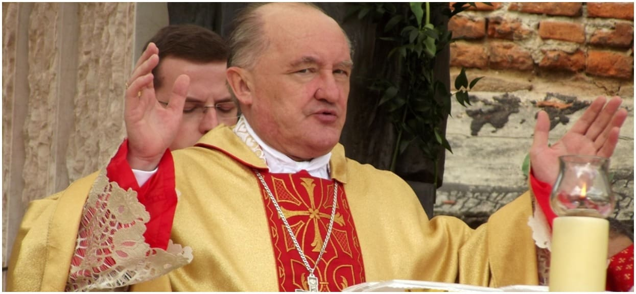 """Kardynał Nycz komentuje film Sekielskiego. """"Ciężko w ogóle o tym mówić"""""""