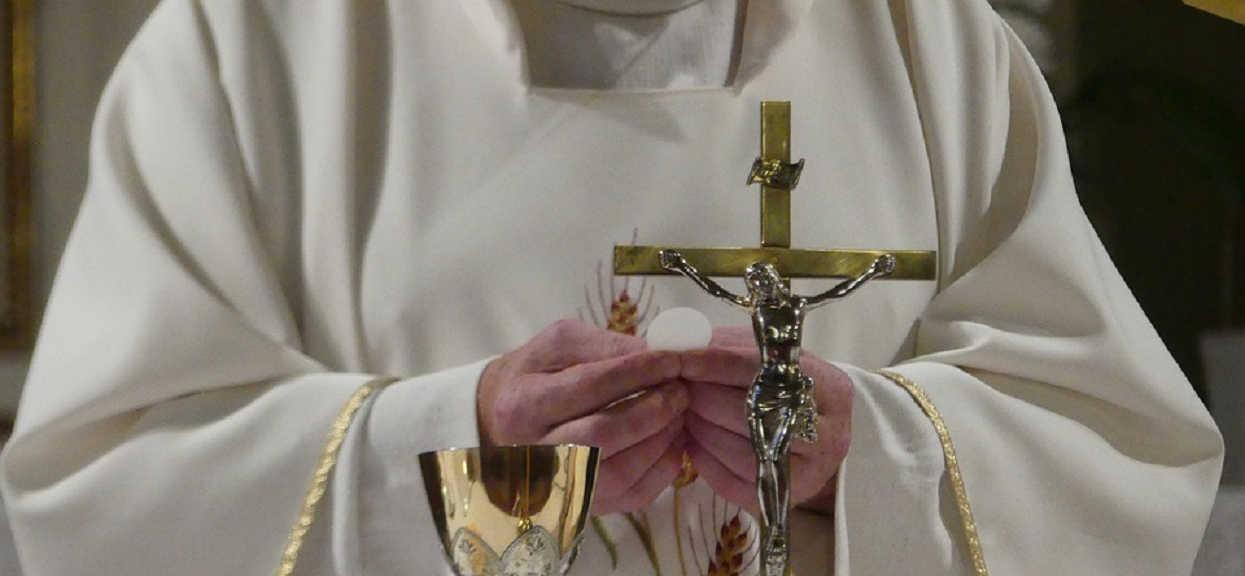 Franciszkanie kpią z ofiar księży pedofilów. Obrzydliwe zdjęcie wrzucili do internetu