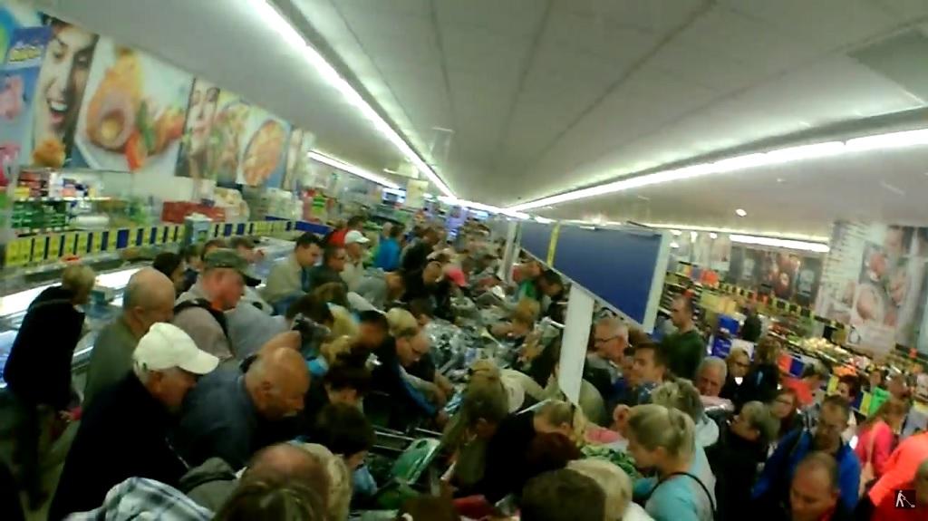 Dantejskie sceny w Lidlu. Ludzie oszaleli, zdjęcie ze sklepu wprawi was w osłupienie