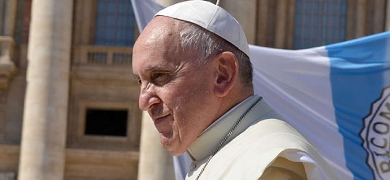 Papież Franciszek ostrzega. Grozi powtórzeniem z II wojny światowej