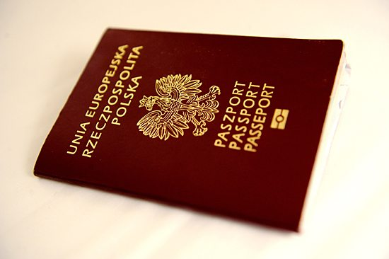 Paszport: Ile się czeka na jego wyrobienie?