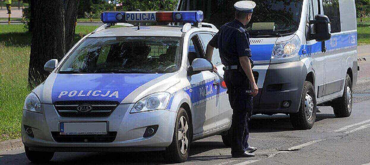 Policjanci wlepili mandat pięknej dziewczynie. To nie żart, powód naprawdę zdumiewa