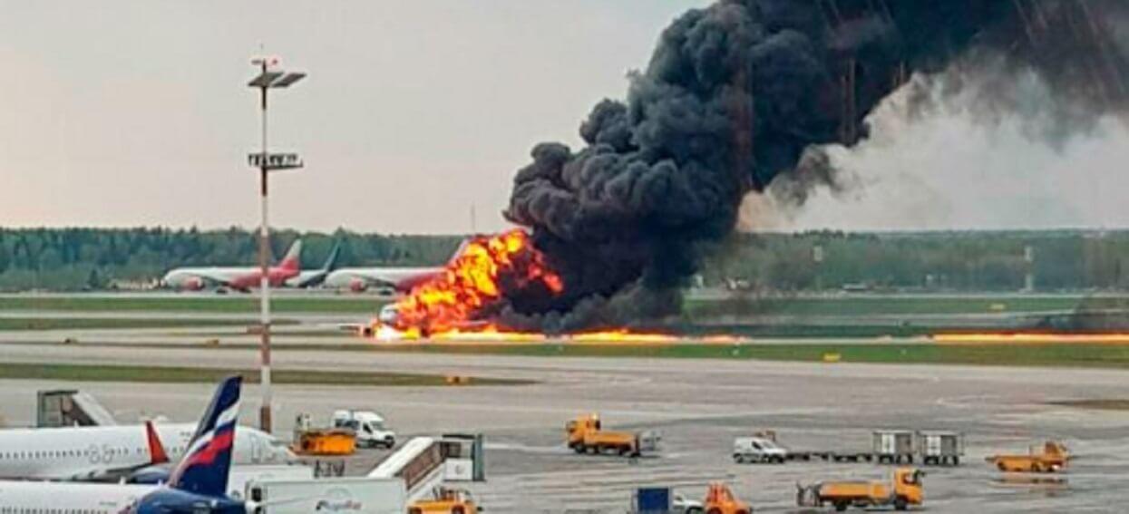 Porażające informacje Polsatu. Ofiary pożaru w samolocie NIE zginęły przez ogień
