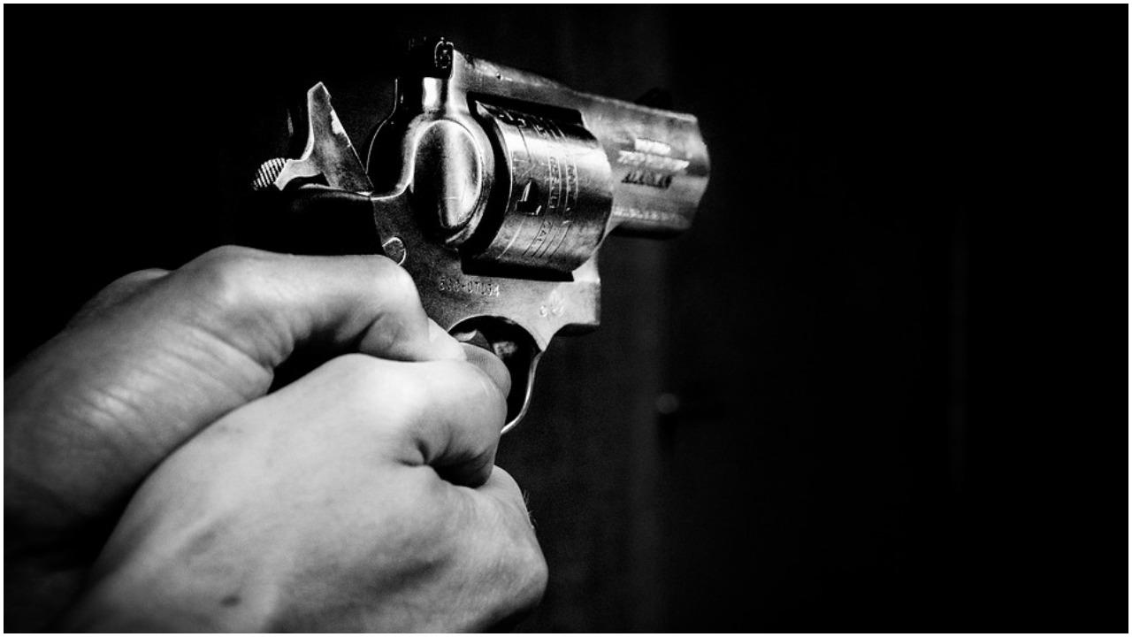 Nauczyciel zapobiegł masakrze w szkole. Powstrzymał uzbrojonego ucznia