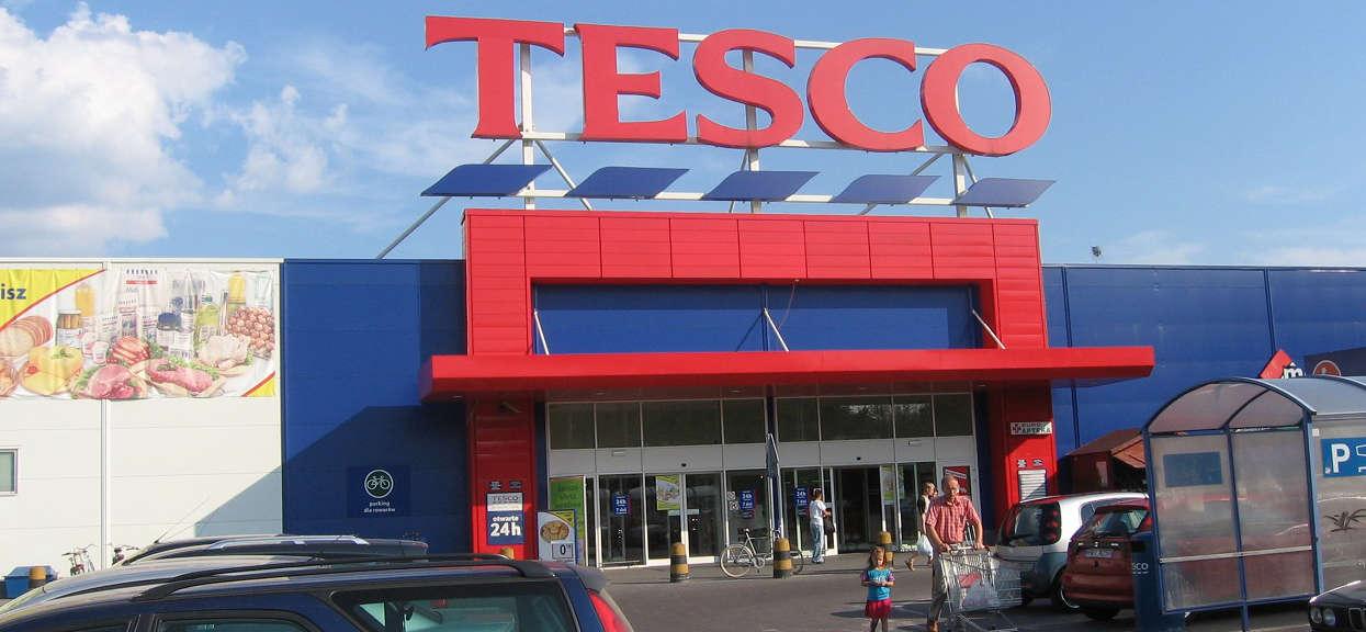 1300 osób straciło pracę, a to jeszcze nie koniec. Tesco zapowiada zamknięcia kolejnych sklepów w Polsce