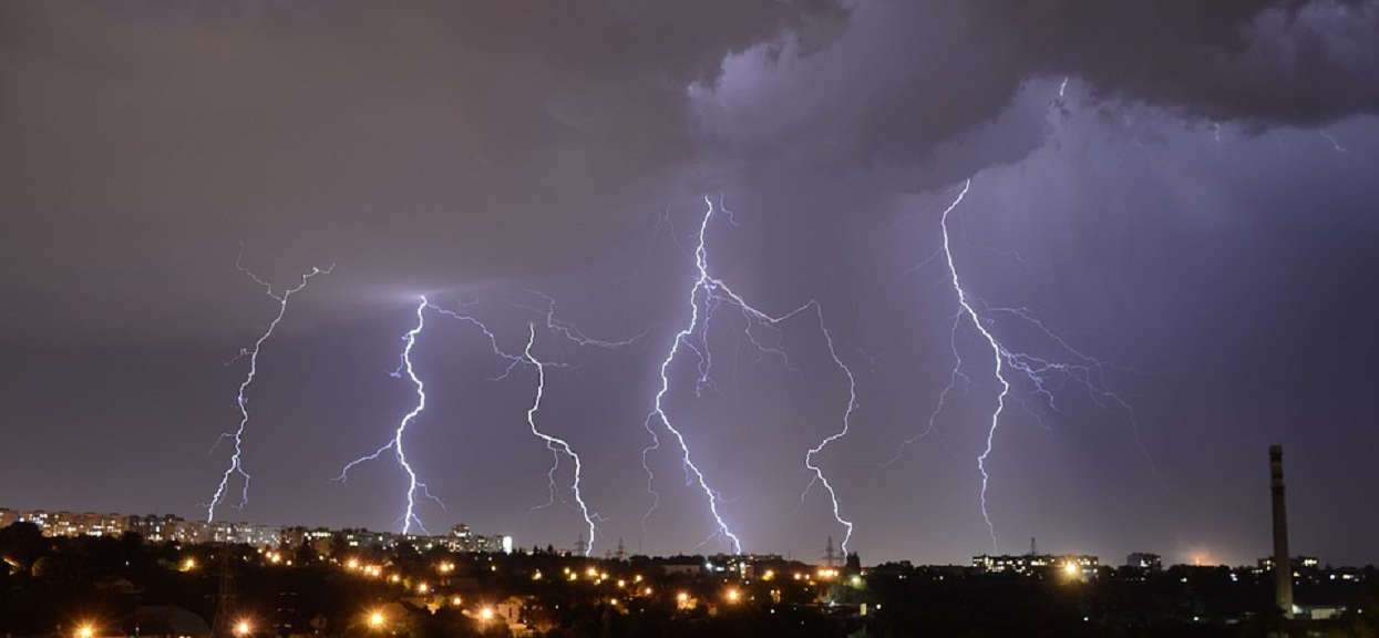 TVN: Dzisiaj w Polsce zacznie się coś dużo gorszego niż burza z piorunami. Zostało kilka godzin