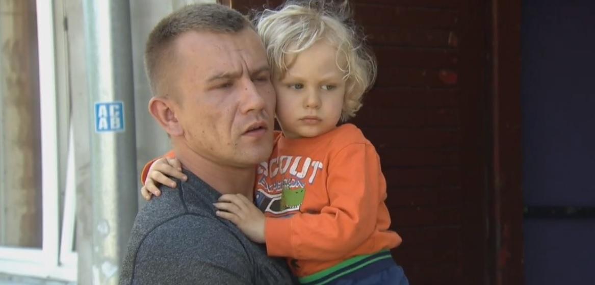 Niewyobrażalny koszmar w polskiej miejscowości, afera wstrząsa krajem. 2,5-latek jest bity, nikt nie reaguje